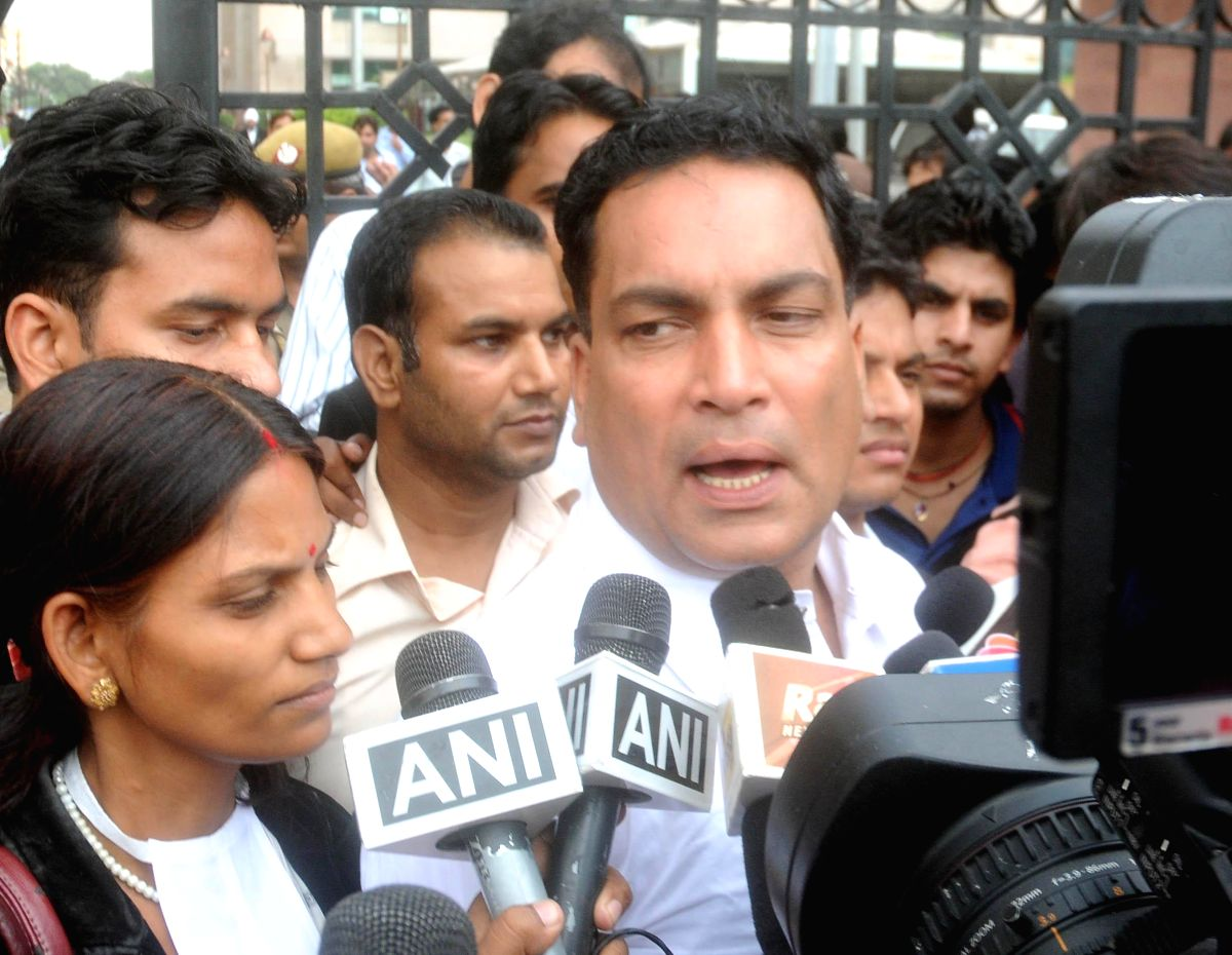 Judge interfering in Moin Qureshi case probe, claims CBI