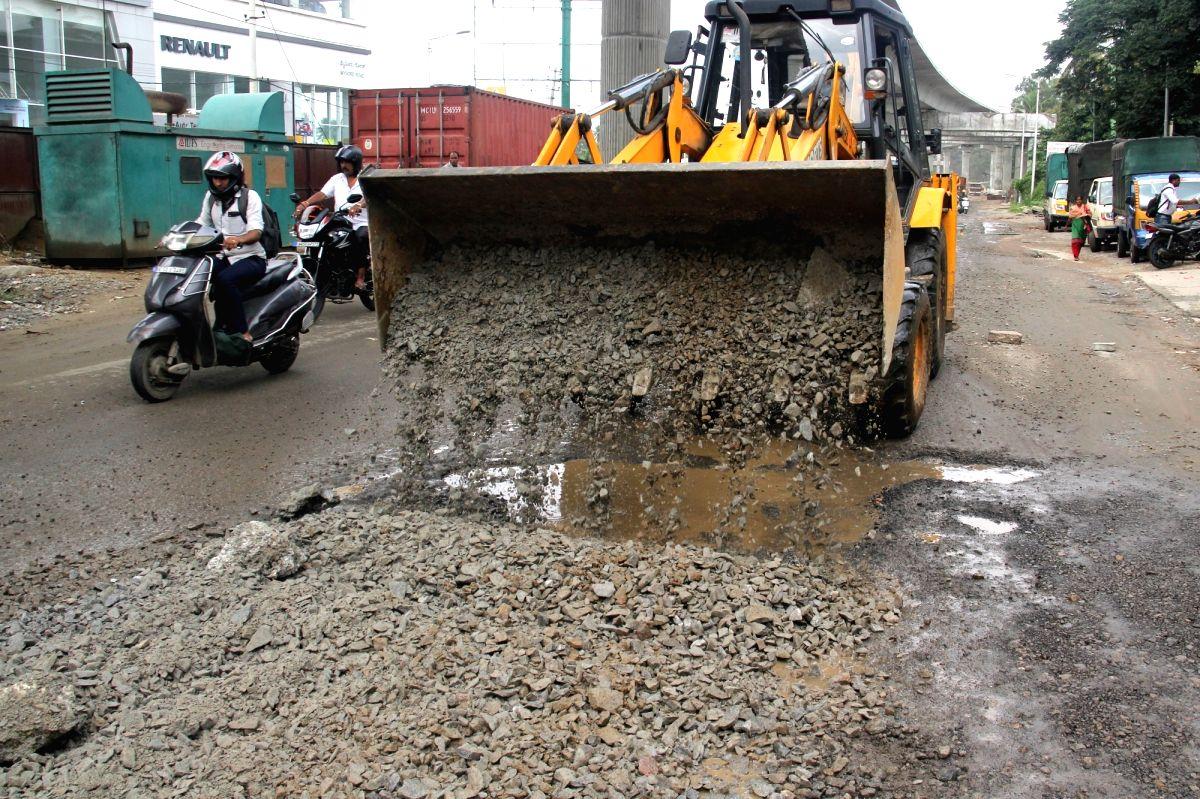 K'taka govt orders road audit to ensure pothole-free roads in B'luru.