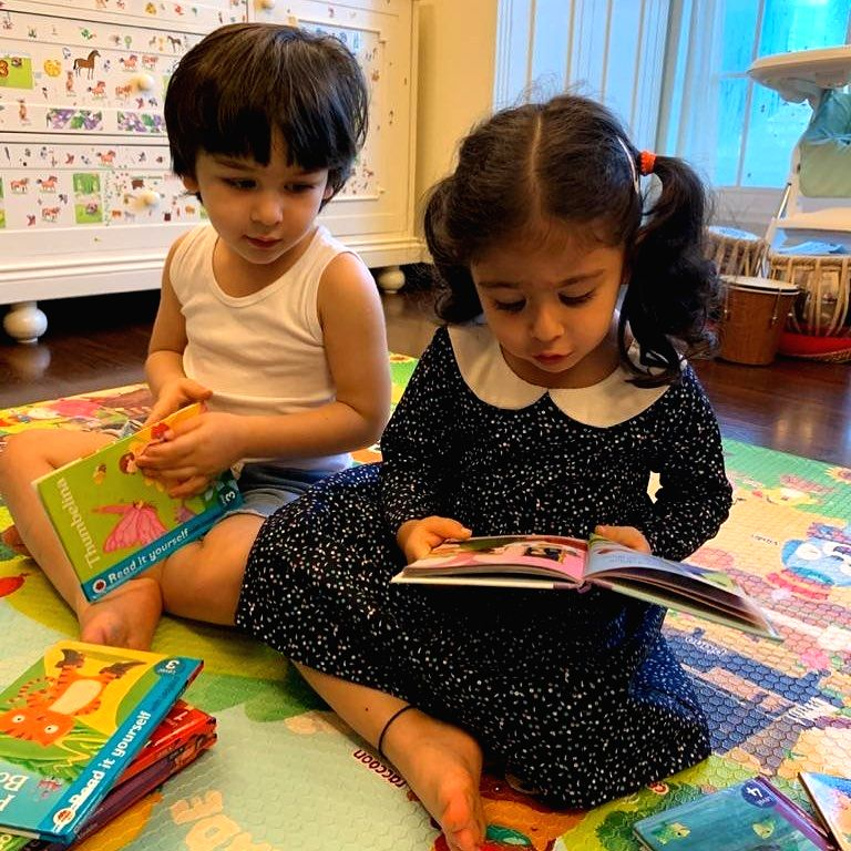 Kareena posts adorable picture of Inaaya, Taimur