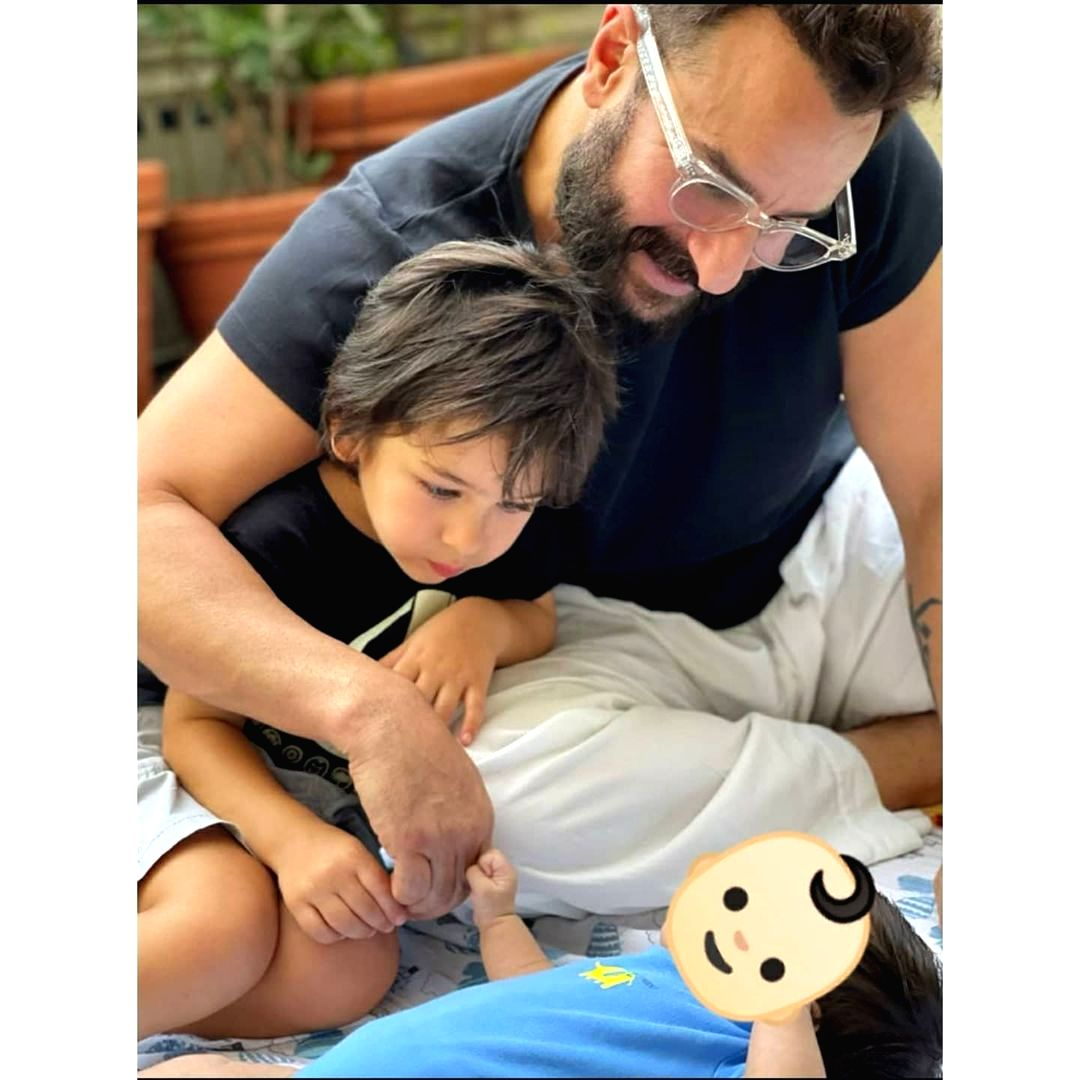 Kareena posts pic of newborn son, hides face with emoji