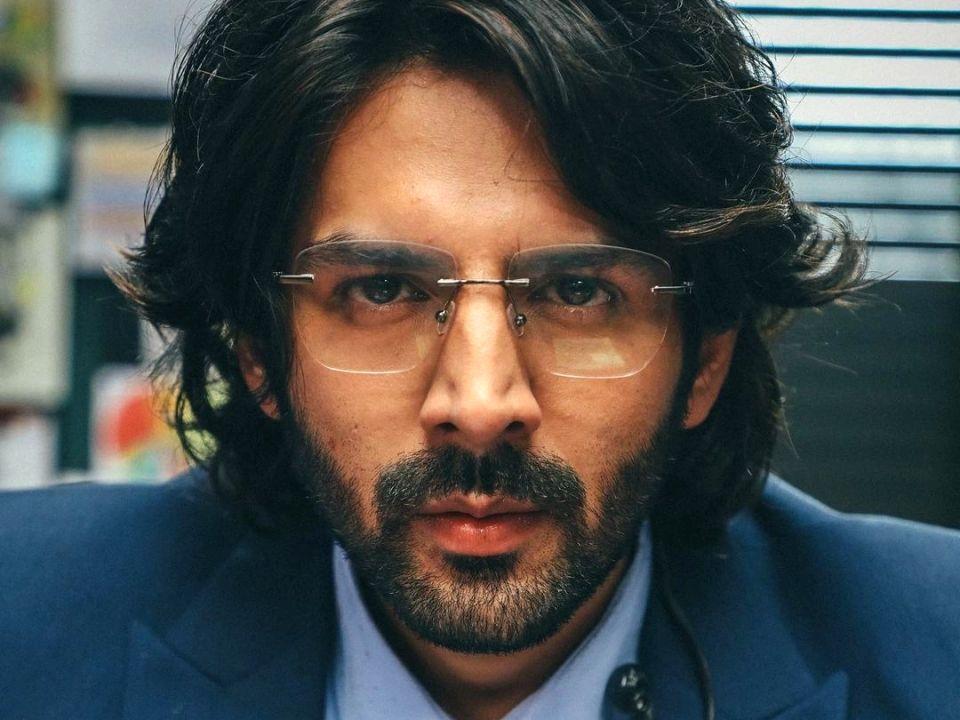 Kartik Aaryan introduces his intense 'Dhamaka' character