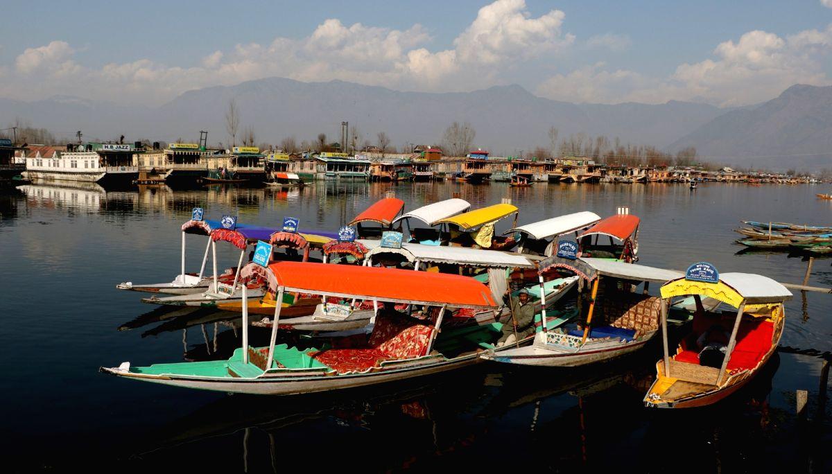 Kashmir & Ladakh all sunny as fog covers Jammu