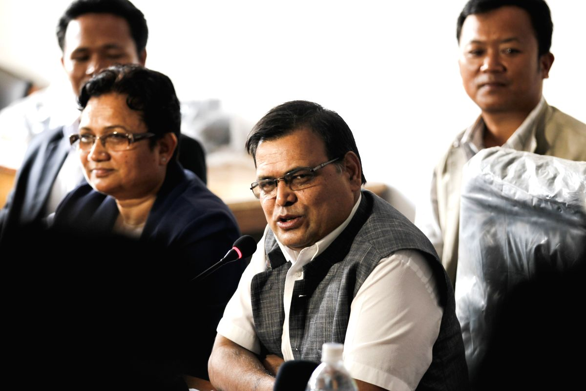 KATHMANDU, July 12, 2016 (Xinhua) -- A top Maoist official Krishna Bahadur Mahara (2nd R) speaks during a press conference organized to declare the withdraw of its support to CPN-UML Chairman KP Sharma Oli-led government in Kathmandu, Nepal, on July