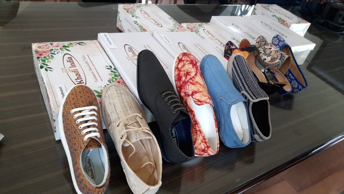 Khadi launches footwear range, eyes Rs 1,000 cr share in market.