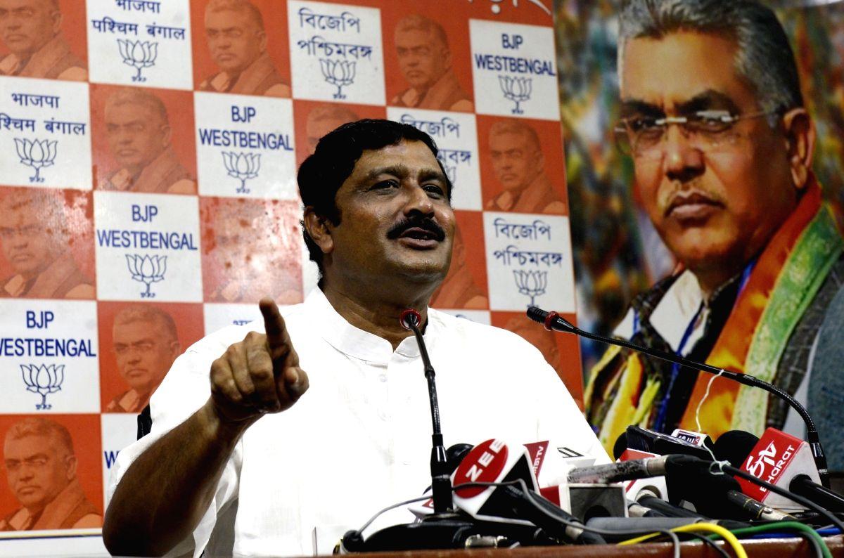 Kolkata: BJP National Secretary Rahul Sinha addresses a press conference in Kolkata, on May 28, 2019.