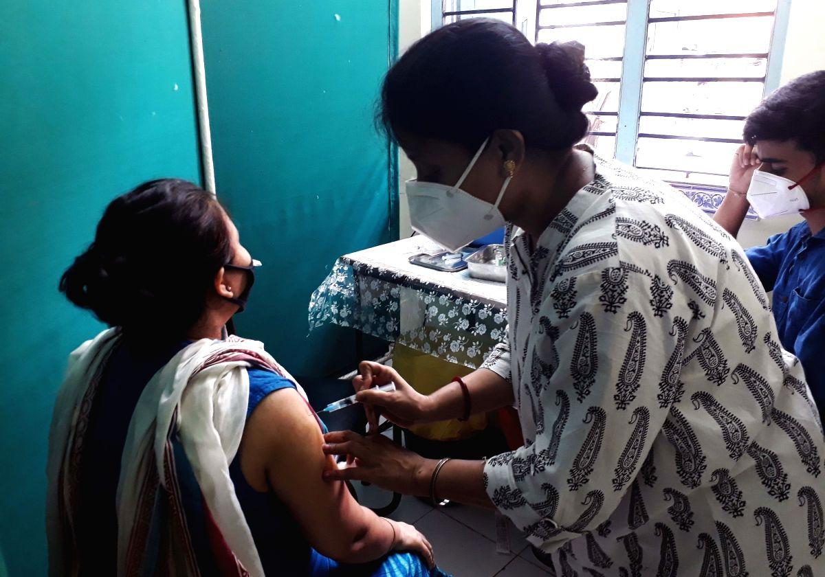 Kolkata: Covid - 19 Vaccination programs underway in Kolkata on Tuesday, July 27, 2021. (Photo: Kuntal Chakrabarty/ IANS)