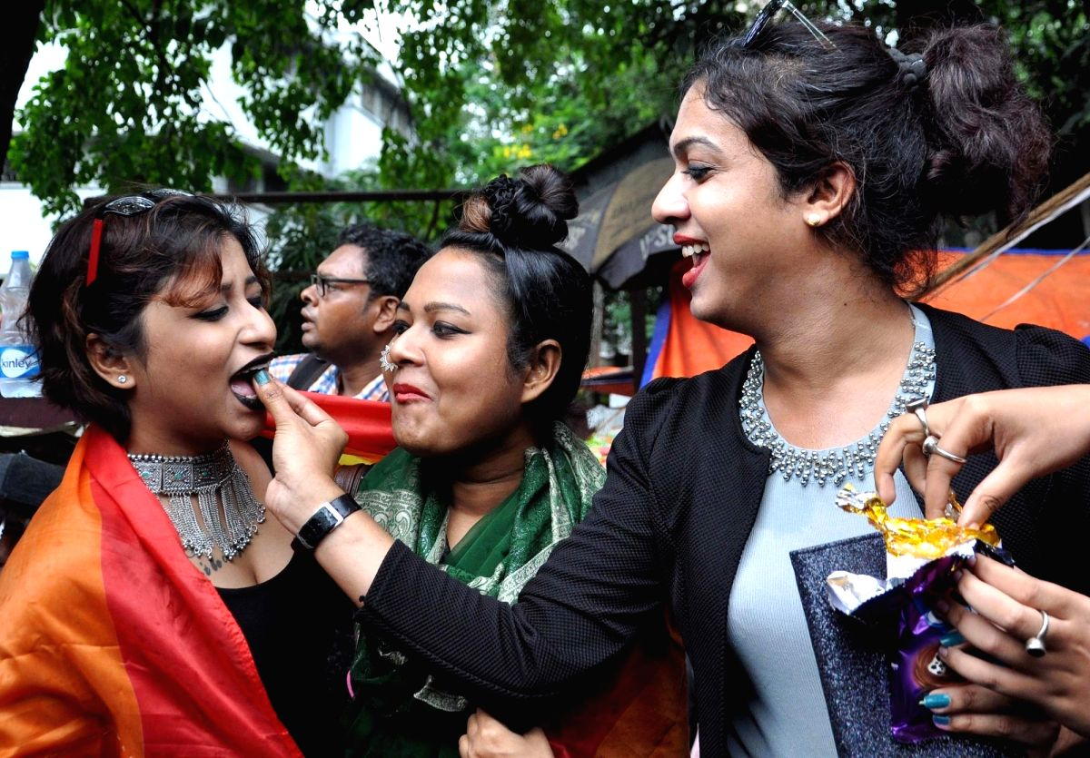 Kolkata: LGBTIQ (lesbian, gay, bisexual, transgender/transsexual, intersex and queer/questioning) supporters celebrate after the Supreme Court in a landmark decision decriminalised homosexuality by declaring Section 377, the penal provision which cri