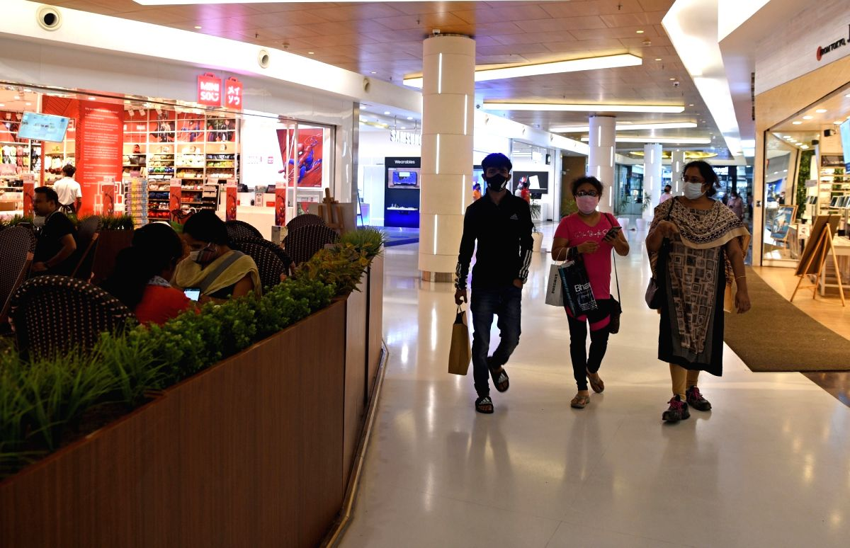 Kolkata: People arrive at a shopping mall following its reopening to the public today after the State Government announced relaxations on the ongoing lockdown during the coronavirus pandemic in Kolkata on June 16, 2021(Photo: Kuntal Chakrabarty/IANS)