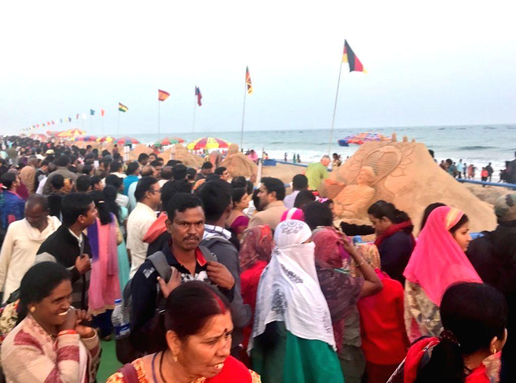 Konark Festival, Sand Art Festival to kick start from Dec 1. (Photo: twitter@sudarsansand)
