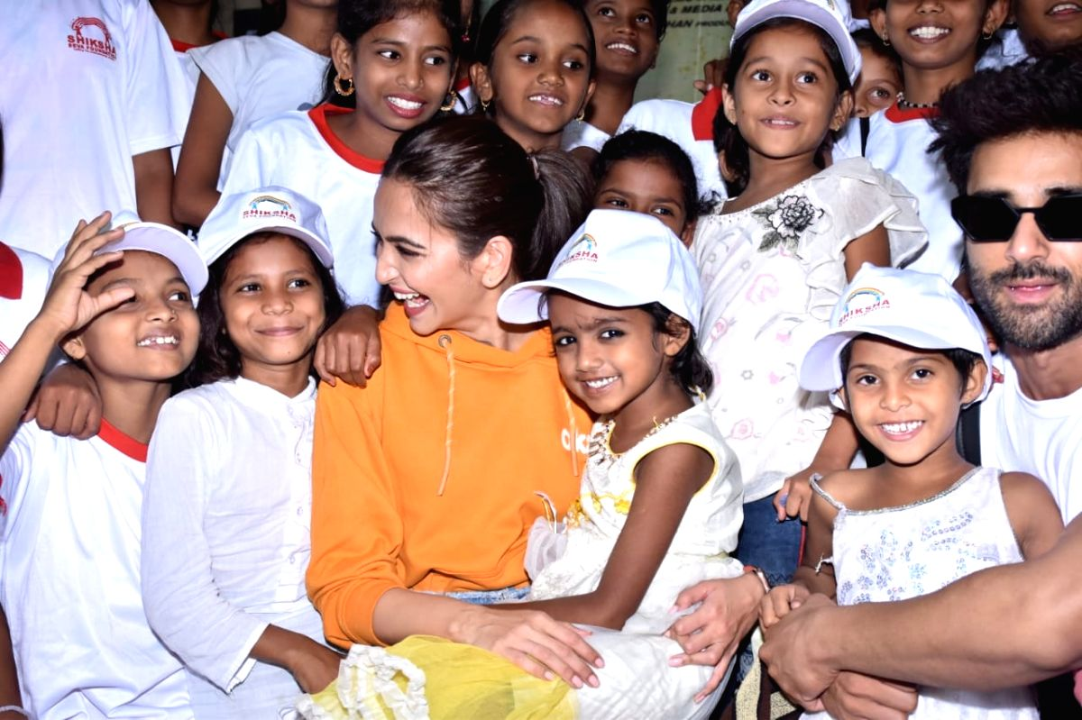 Kriti Kharbanda celebrated b'day by sponsoring education of 30 girls