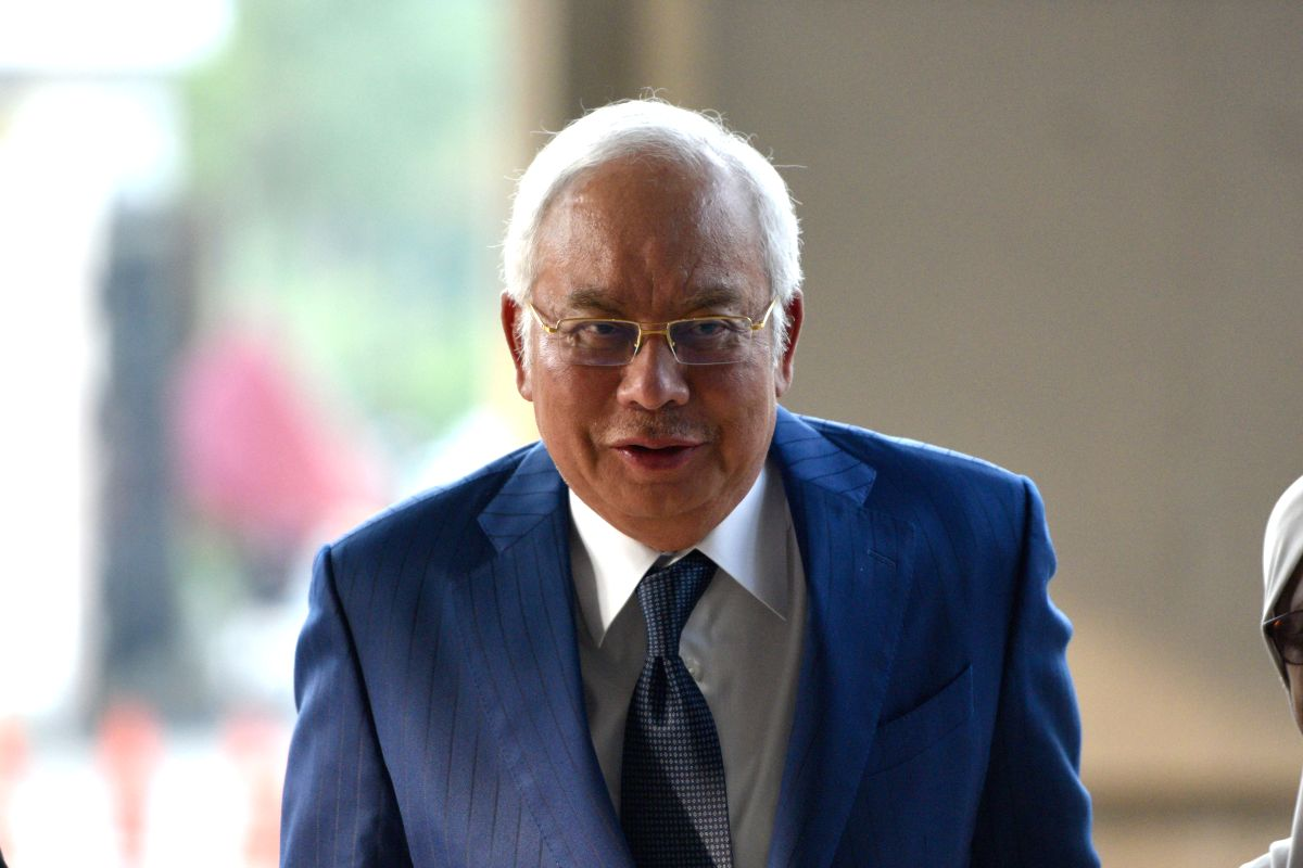 KUALA LUMPUR, Aug. 27, 2019 (Xinhua) -- Former Malaysian Prime Minister Najib Razak arrives at a court in Kuala Lumpur, Malaysia, Aug. 27, 2019. The prosecution wrapped up its submission on Tuesday against former Malaysian Prime Minister Najib Razak