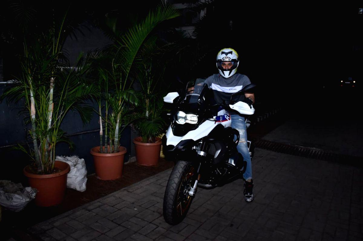 Kunal Kemmu gifts himself a BMW superbike.