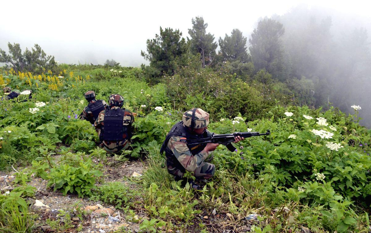 Kupwara: Indian soldiers retaliate as Pakistani troops breach ceasefire at the Line of Control in Nowgam Kupwara sector of Jammu and Kashmir's Kupwara district on Aug 25, 2015.