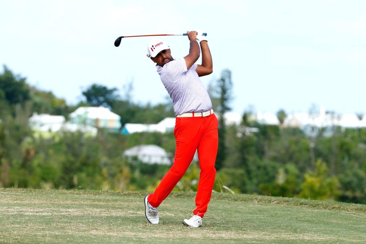 Lahiri shares tied 11th place at Bermuda Championship.