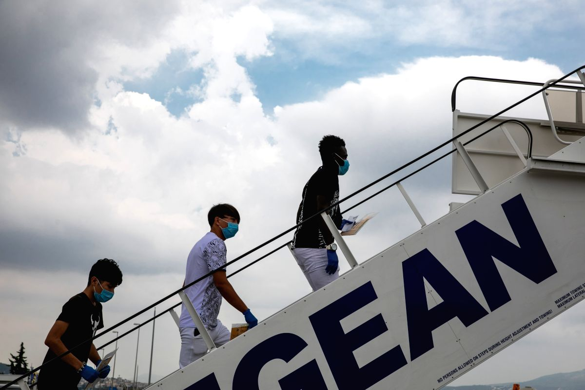 London, Sep 18 (IANS) A senior high court judge has halted a UK Home Office charter flight meant to deport 20 asylum seekers to Spain, a country they had previously passed through before crossing the English Channel to Britain.