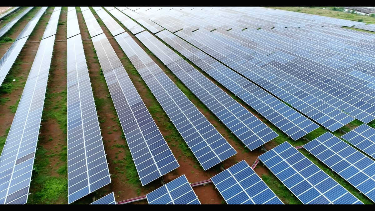 LoUs to qualify as bank guarantees in green energy tender. (Photo: IANS/PMO)