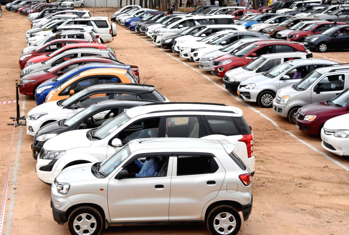 Low base recovery: Sep domestic passenger vehicles' sales rise over 26% (Ld)