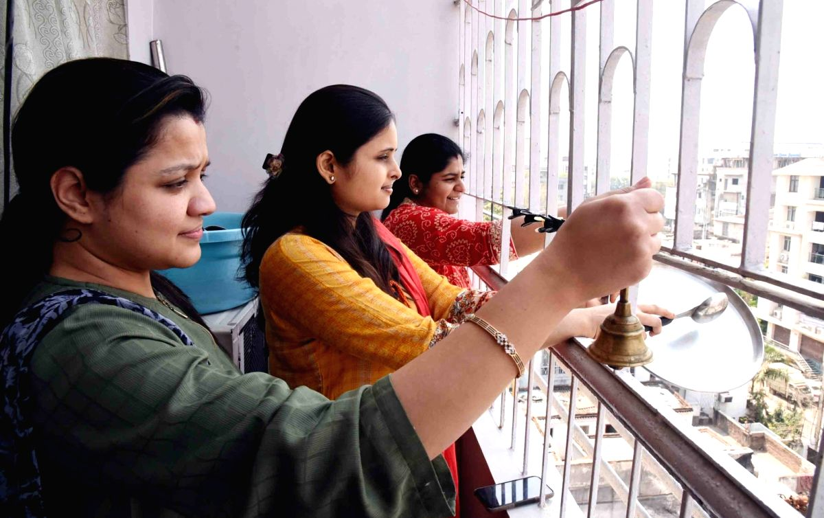 Lucknow reverbrates with claps, conch shells