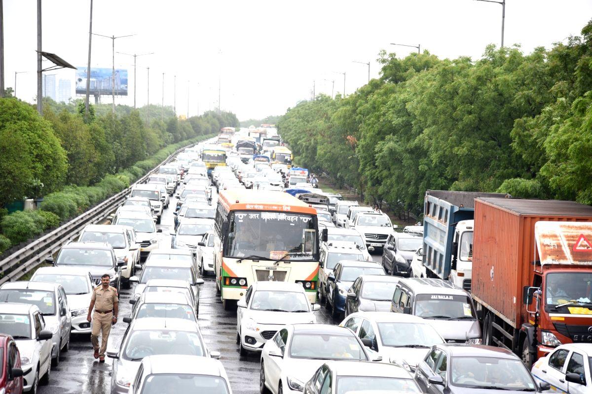 Maha Shivratri: Massive jam on Delhi-Gurugram highway .