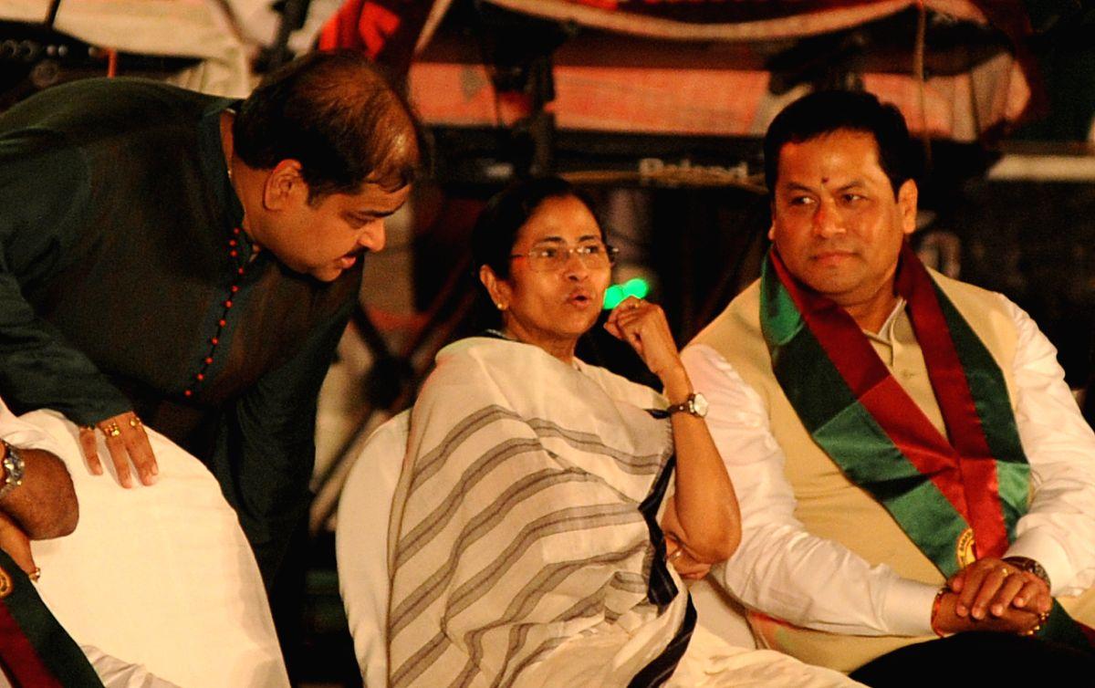 Mamata, Sonowal, Pinarayi still favoured as CM