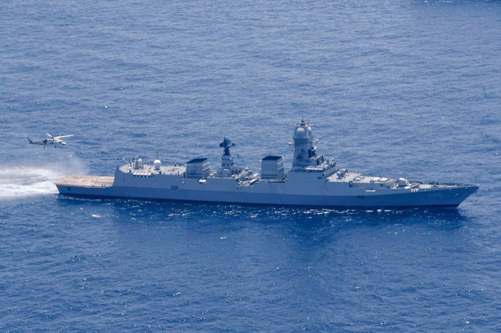 MiG-29K pilot still missing, 9 warships, 14 planes conducting search: Navy