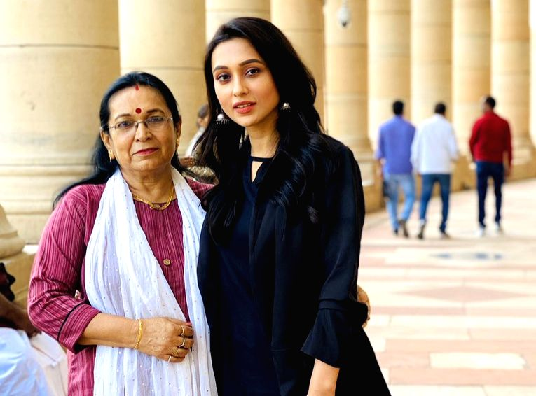 Mimi Chakraborty with her mother on the 1st day of parliament session.