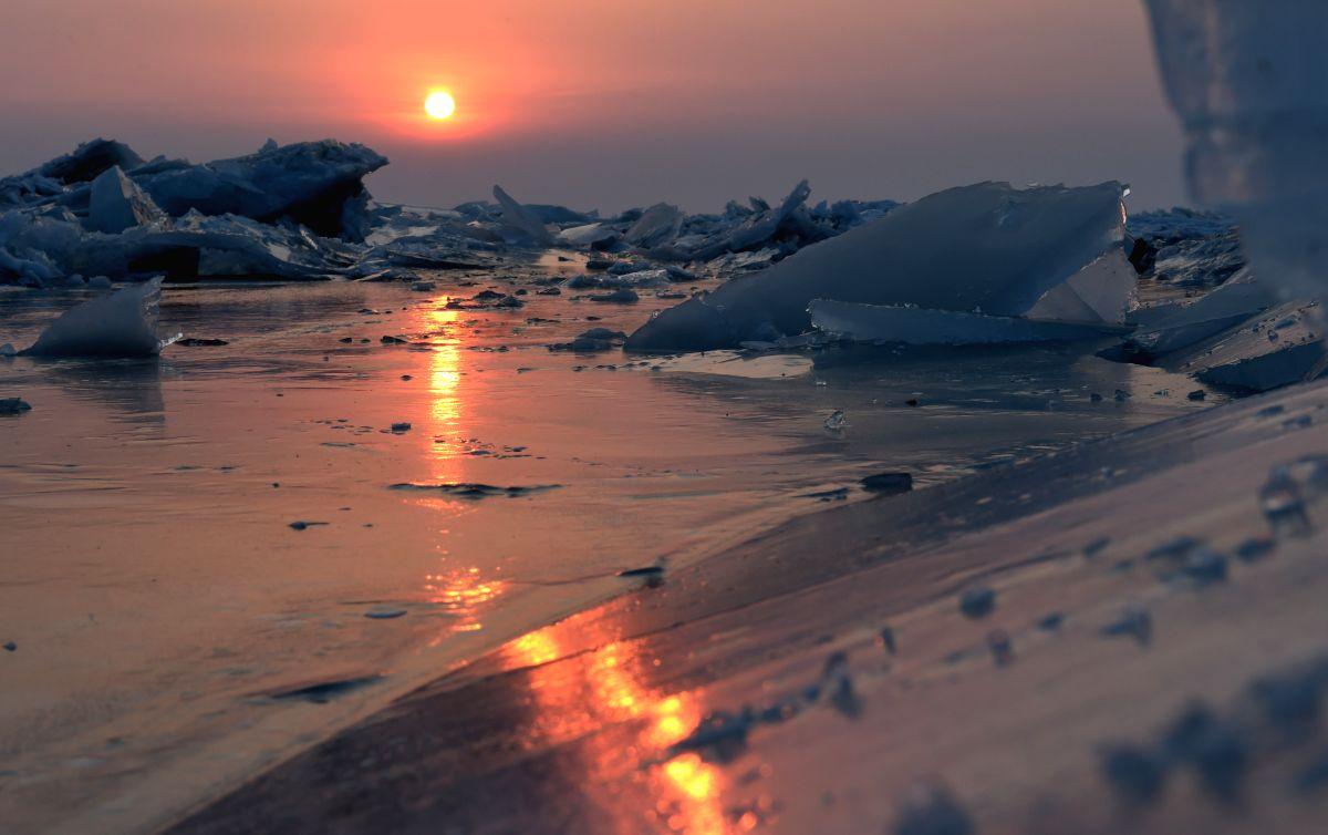 Ice floe on the Xingkai Lake