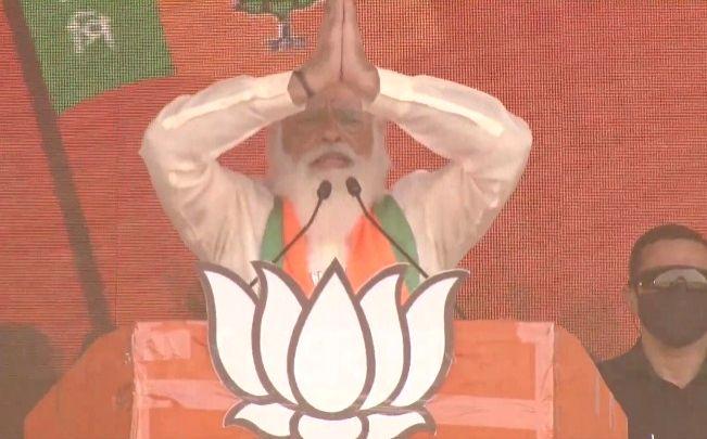 Modi prepares development roadmap for Bengal