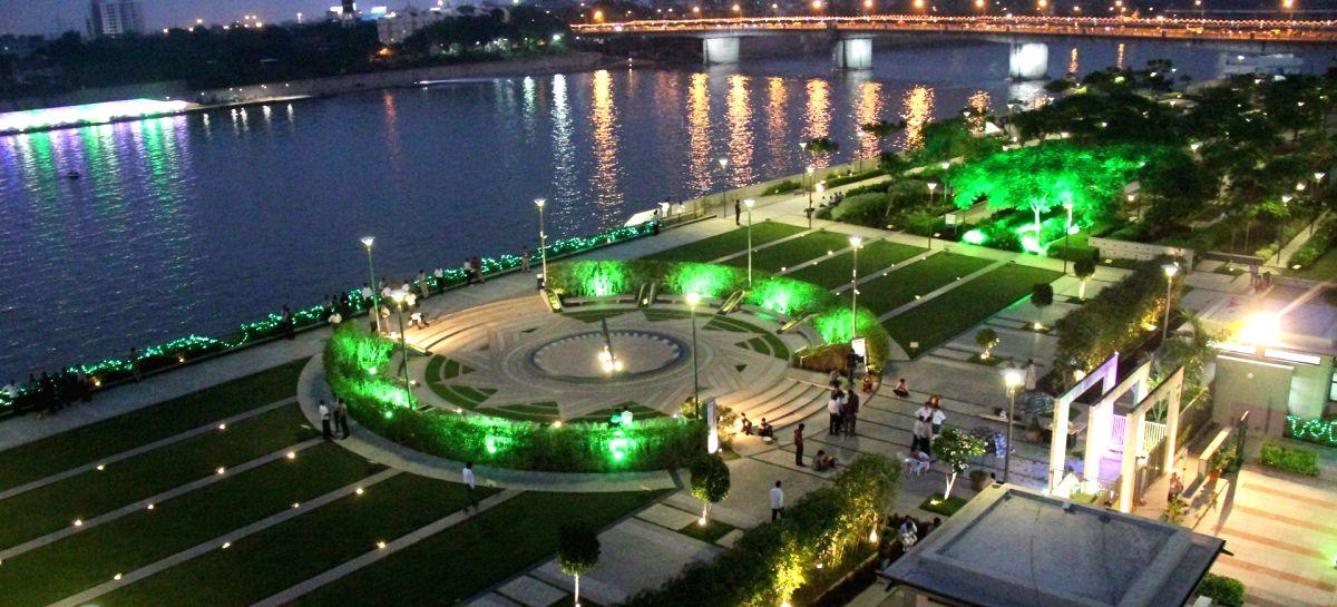 Modi's pet project Sabarmati Riverfront not a flowing river: Gujarat HC task force.