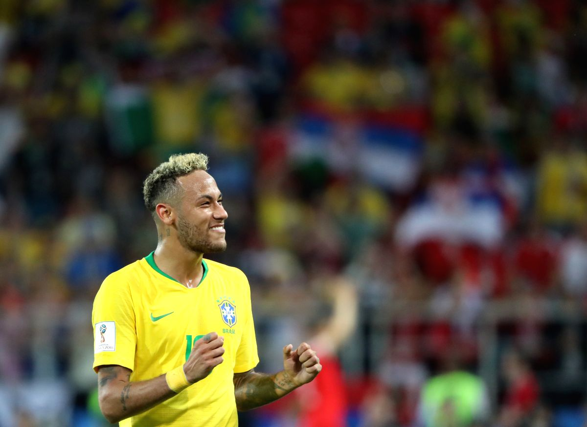 Neymar celebrates after victory against Serbia