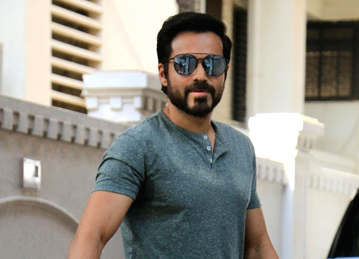 Mumbai: Actor Emraan Hashmi seen outside producer Anand Pandit's house in Mumbai, on May 7, 2019.