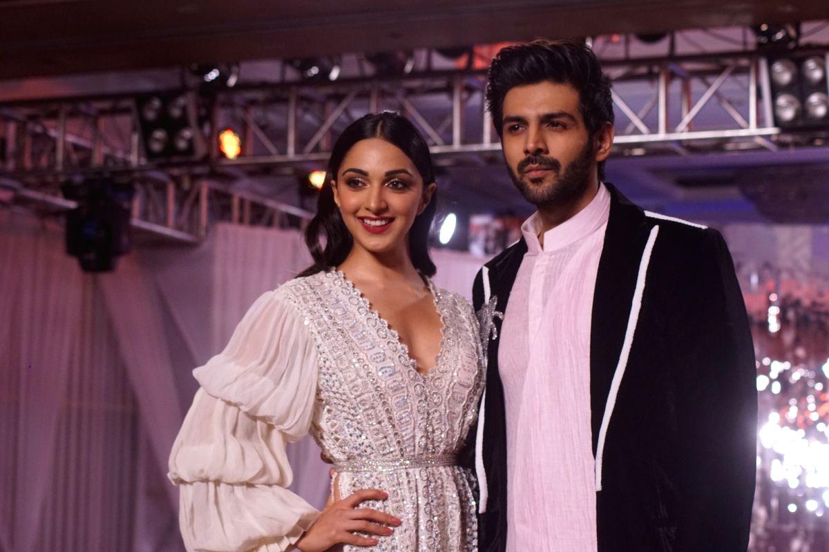 Actors Kiara Advani and Kartik Aaryan
