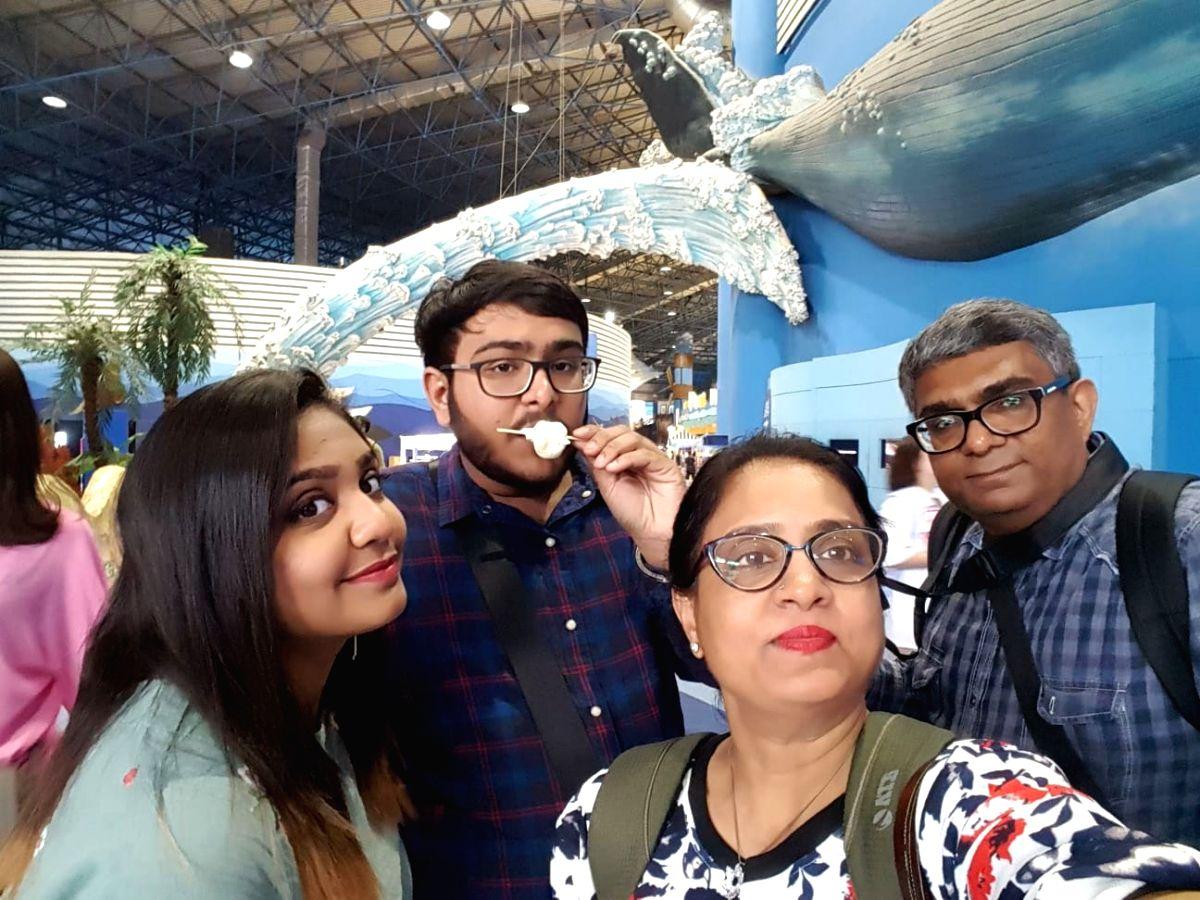 Mumbai: Dr. Shrushti Halari, his brother and MBBS student Dhaval, parents Dr. Deepak and Dr. Vaishali.