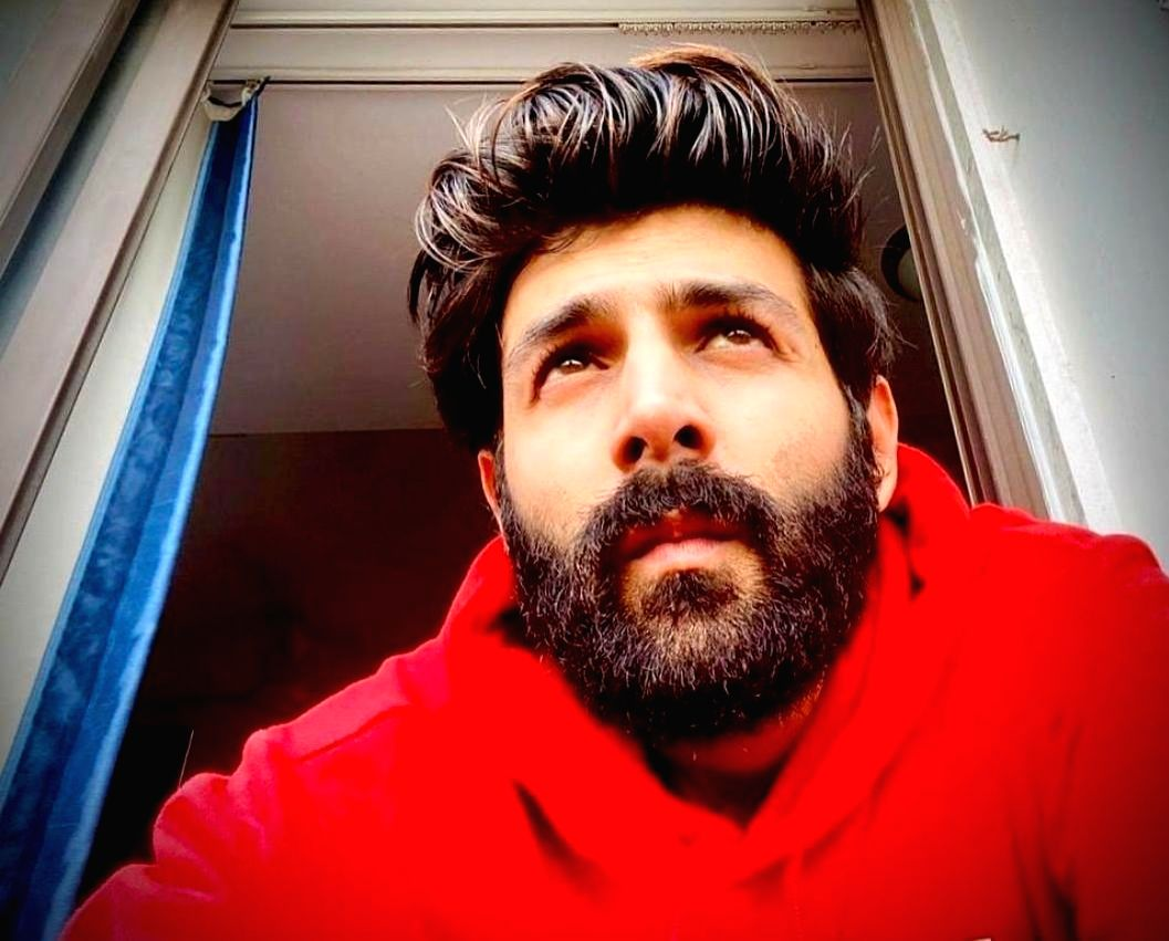 After treating fans with a heavily bearded selfie, actor Kartik Aaryan posted a photograph of himself with well-trimmed facial hair.