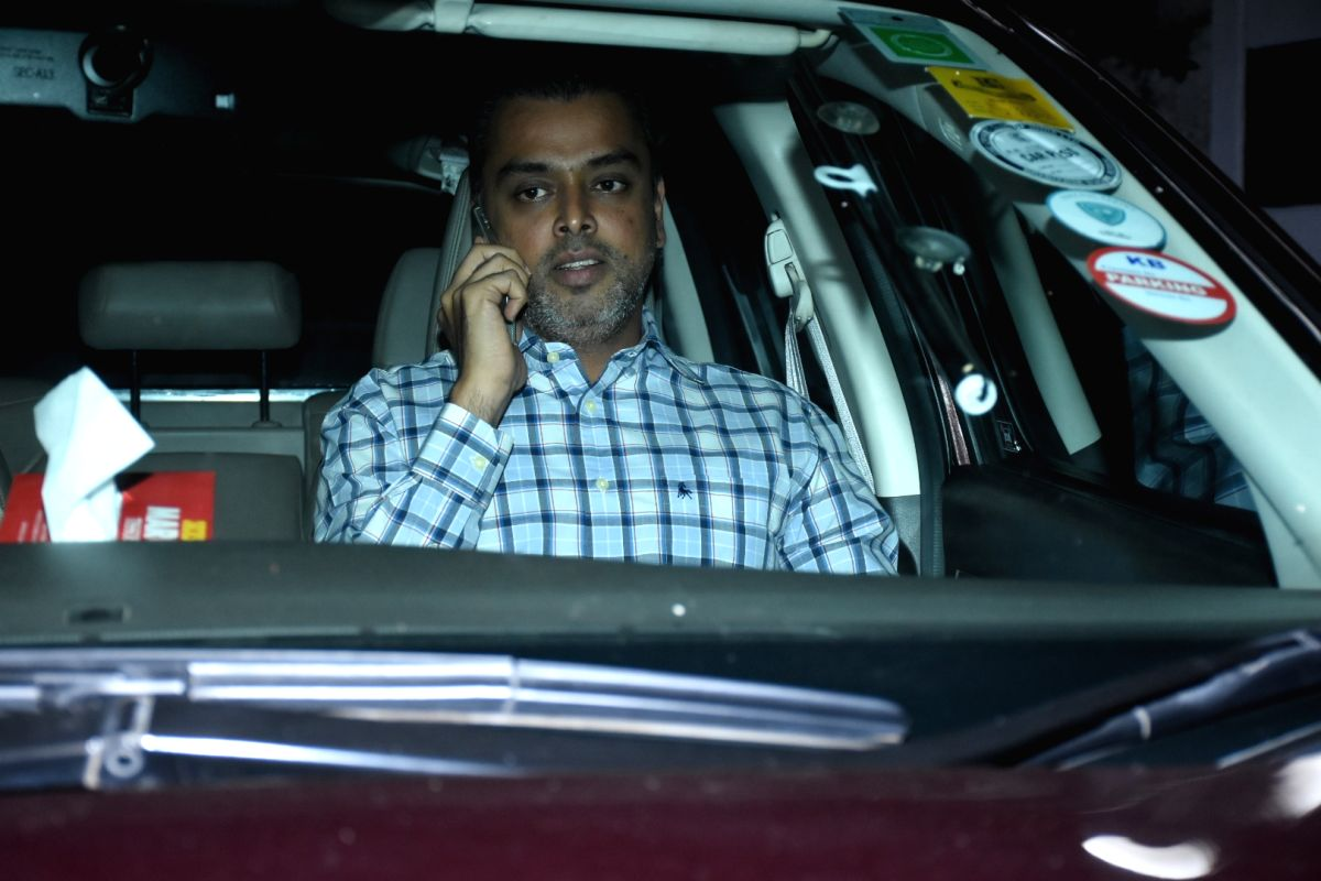 Mumbai/New Delhi, March 29 (IANS) As several senior Congress leaders including Shashi Tharoor and Kapil Sibal attacked the Centre for its inept handling of the COVID-19 threat and the exodus of the migrant labourers, party leader Milind Deora said th