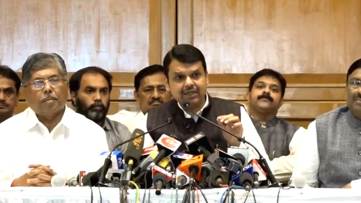 Mumbai: Outgoing Maharashtra Chief Minister Devendra Fadnavis addresses a press conference after submitting his resignation as CM to Governor B. S. Koshyari, in Mumbai on Nov 8, 2019. Fadnavis on Friday reiterated that there was never any talk of sha