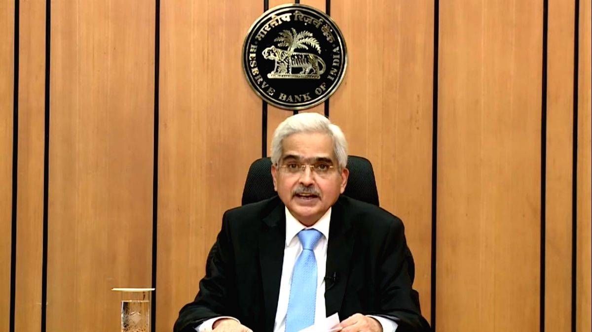 Mumbai: Reserve Bank of India Governor Shaktikanta Das addresses a pess conference at the RBI Headquarters in Mumbai on Apr 17, 2020.