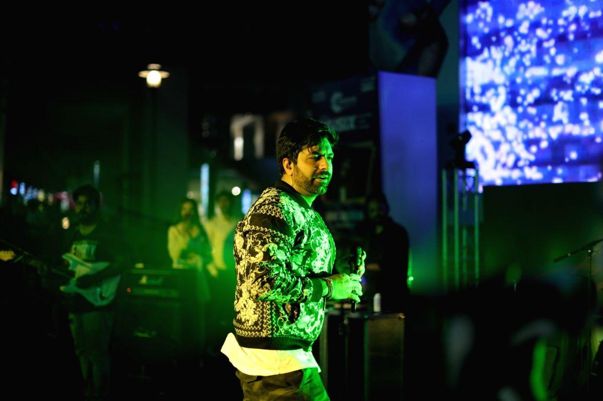 My dream is to die on stage: Akhil Sachdeva.