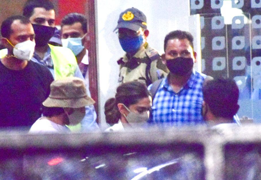 NCB seizes phones of Deepika, Rakul, Simone, Karishma in drugs case