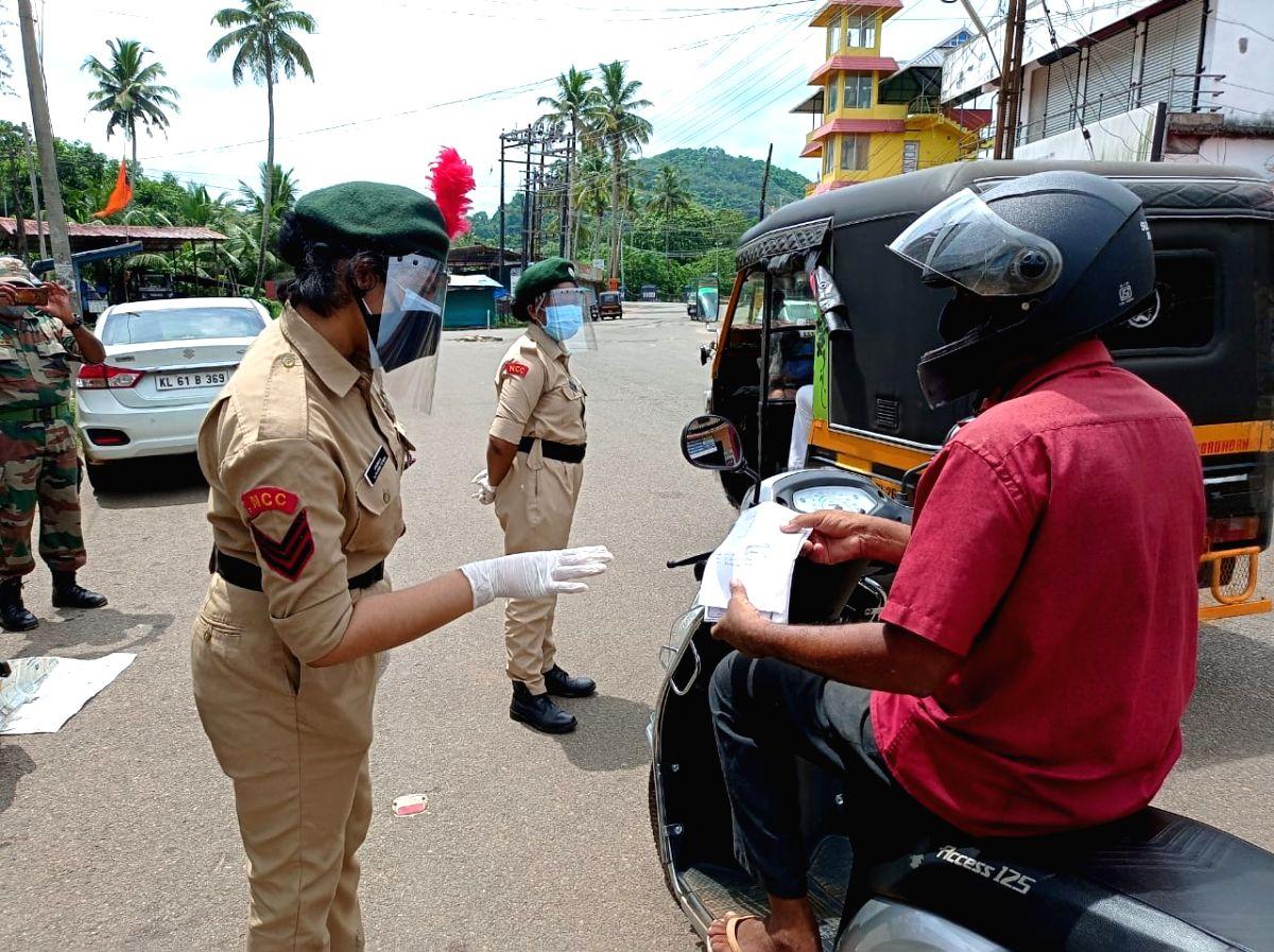 As Covid rages, Keralaite's entry to Tamil Nadu and Karnataka gets tough
