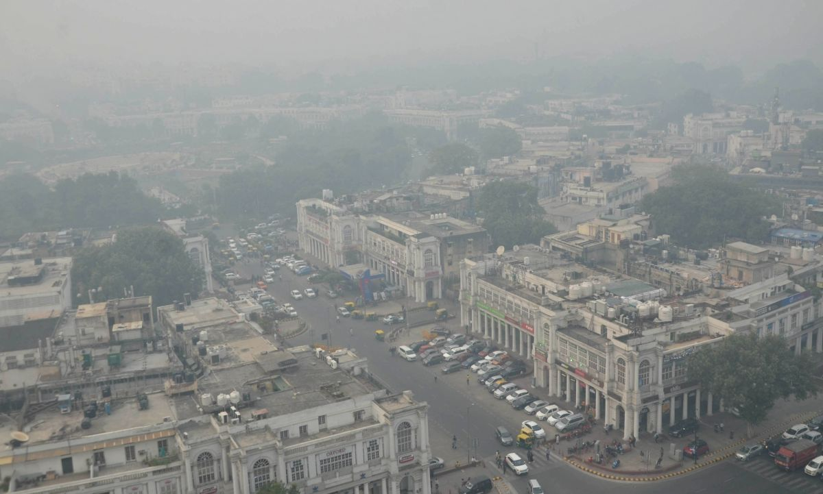 The Delhi air quality index (AQI) is at 470 in emergency zone
