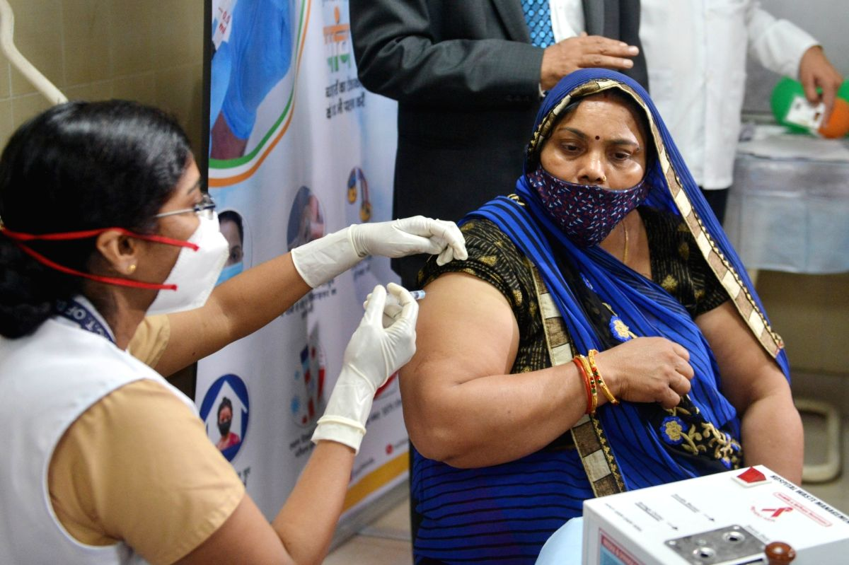 India records highest single-day vaccination figures at 11.6L