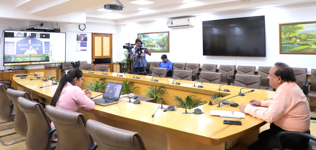New Delhi, April 5 (IANS) Community transmission or Stage 3 of the coronavirus outbreak threat looms large and social distancing has played a major role in avoiding India's progress into it, said Dr R.N. Tandon, Secretary General, Indian Medical Asso