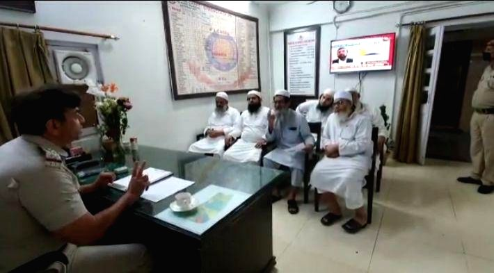 New Delhi, April 9 (IANS) The Delhi Minorities Commission has asked the Health Secretary to stop mentioning the name of the Nizamuddin Markaz in its health bulletins as the Delhi government has been mentioning the names of Covid-19 patients from the