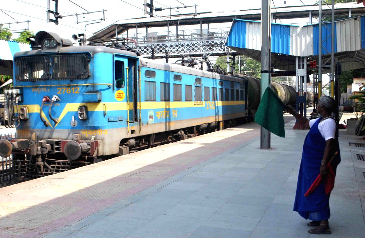 New Delhi, Aug 6 (IANS) The Indian Railways will flag off India's first Kisan Special Parcel Train from Maharashtra's Devlali to Bihar's Danapur on Friday afternoon to transport perishable goods, a promise made in the Union Budget 2020-21.