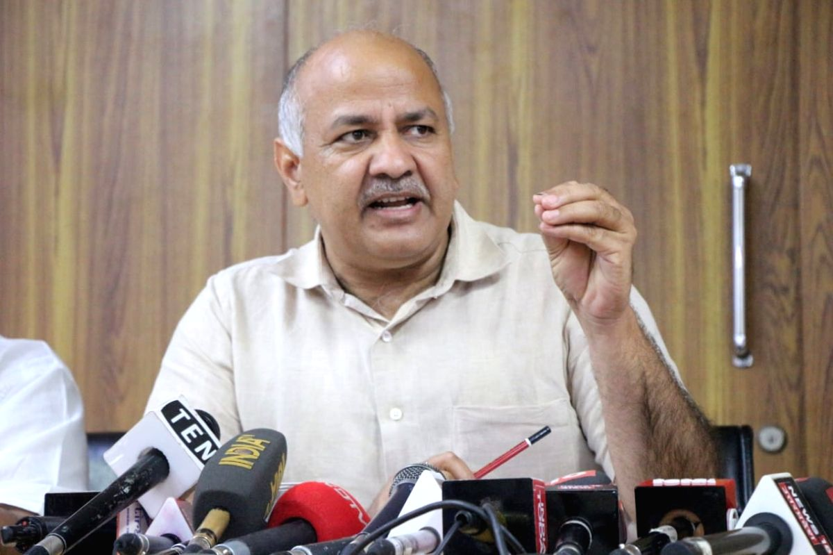 New Delhi: Delhi Deputy Chief Minister Manish Sisodia addresses a press conference in New Delhi, on June 7, 2019.
