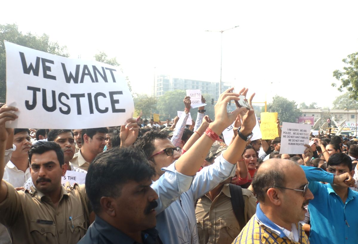 New Delhi: Delhi Police personnel stage a demonstration at the Police Headquarters (PHQ) at ITO to protest against repeated incidents of violence against them by lawyers, in New Delhi on Nov 5, 2019. This comes after a parking row between police pers