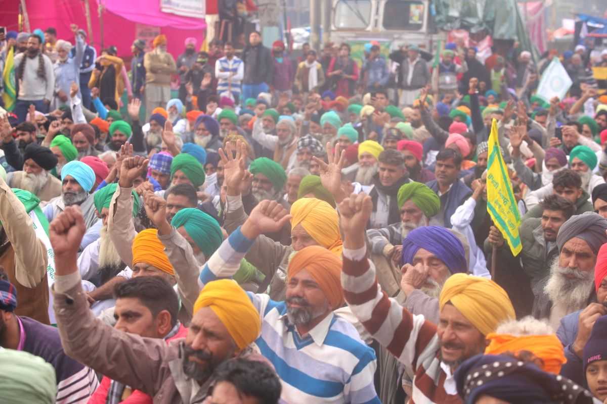 Farmers' protest enters 50th day amid biting cold, fog