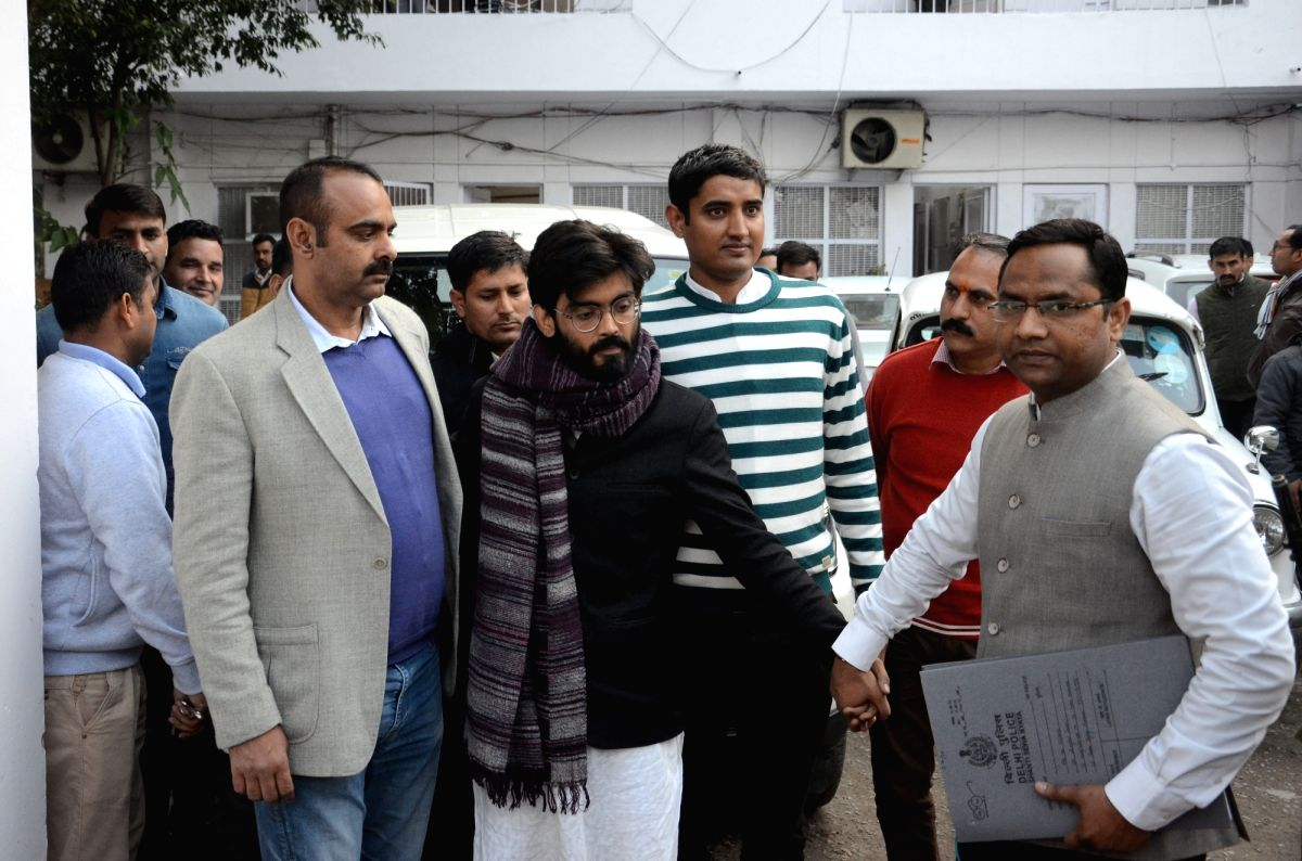 New Delhi: JNU student Sharjeel Imam, who was arrested from Bihar for allegedly giving inflammatory speeches, being taken to be produced before the Chief Metropolitan Magistrate, Patiala House courts, at his residence in New Delhi on Jan 29, 2020. Ac