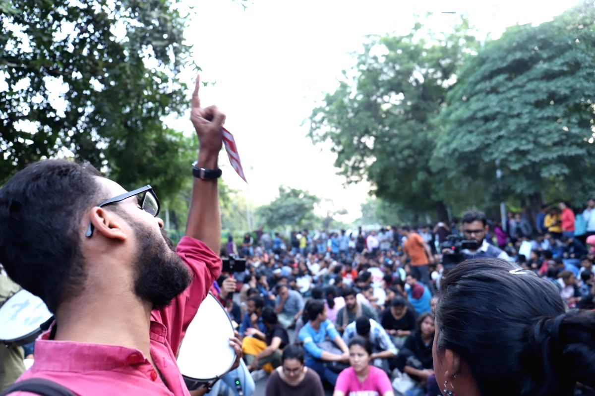 New Delhi: JNU students stage a demonstration near Jor Bagh metro station as they continue to protest demanding rollback of fee hikes and release of detained students, in New Delhi on Nov 18, 2019.
